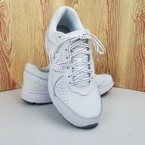 🆕️ New Balance 411 Walking Shoes Womens 9 NWOT